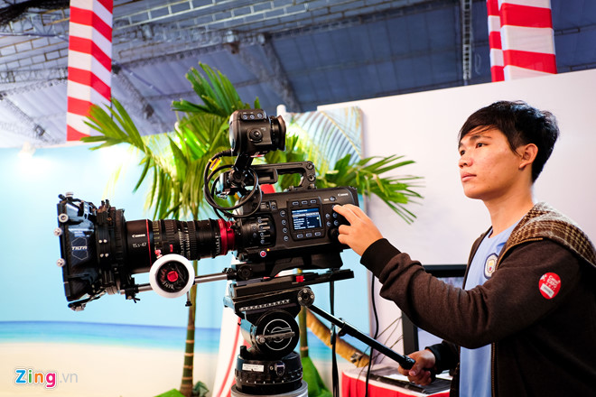 Cảm biến 250 MP, máy quay ISO 4 triệu xuất hiện tại Canon EXPO
